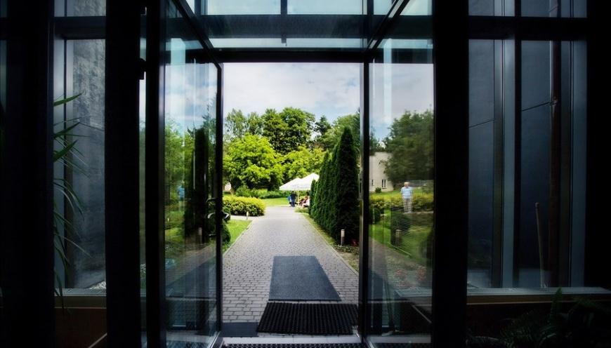 Widok na ogród Jesiennej Rezydencji